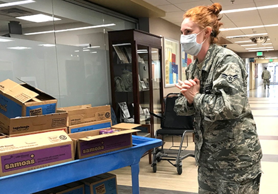 Support team delivers cookies