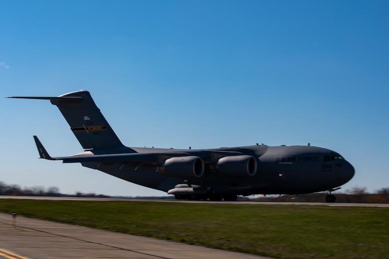 A C-17 Globemaster III assigned to the 911th Airlift Wing takes off while departing Pittsburgh International Airport Air Reserve Station, Pennsylvania, April 22, 2020.