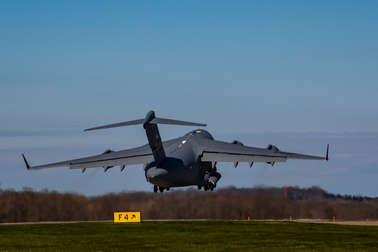 A C-17 Globemaster III assigned to the 911th Airlift Wing departs Pittsburgh International Airport Air Reserve Station, Pennsylvania, April 22, 2020.