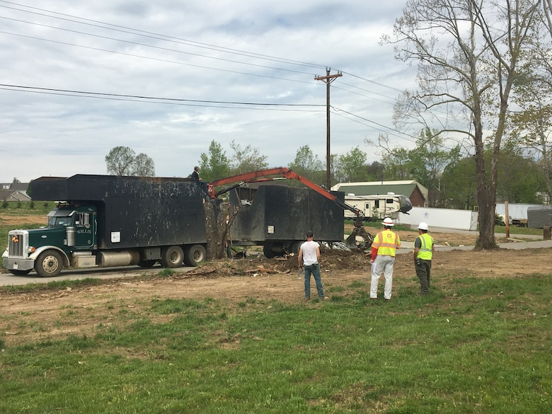 Bernie Bell (center), land surveyor with the U.S. Army Corps of Engineers Mobile District, observes a debris removal operation April 19, 2020 in Putnam County, Tennessee. Bell supported a FEMA debris monitoring mission following tornadoes that devastated middle Tennessee March 3, 2020. (USACE Photo)
