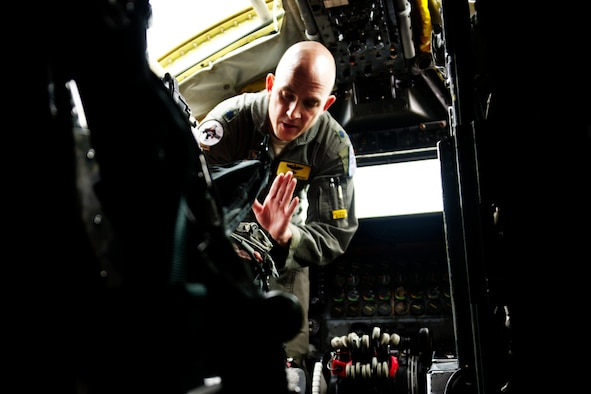 Photo of pilot giving instruction in B-52.