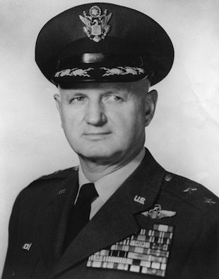 This is the official portrait of Maj. Gen. Chester McCarty.