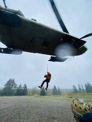 Mount Rainier Search-and-Rescue Training