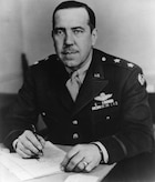 This is the official portrait of Maj. Gen. Robert B. Williams.