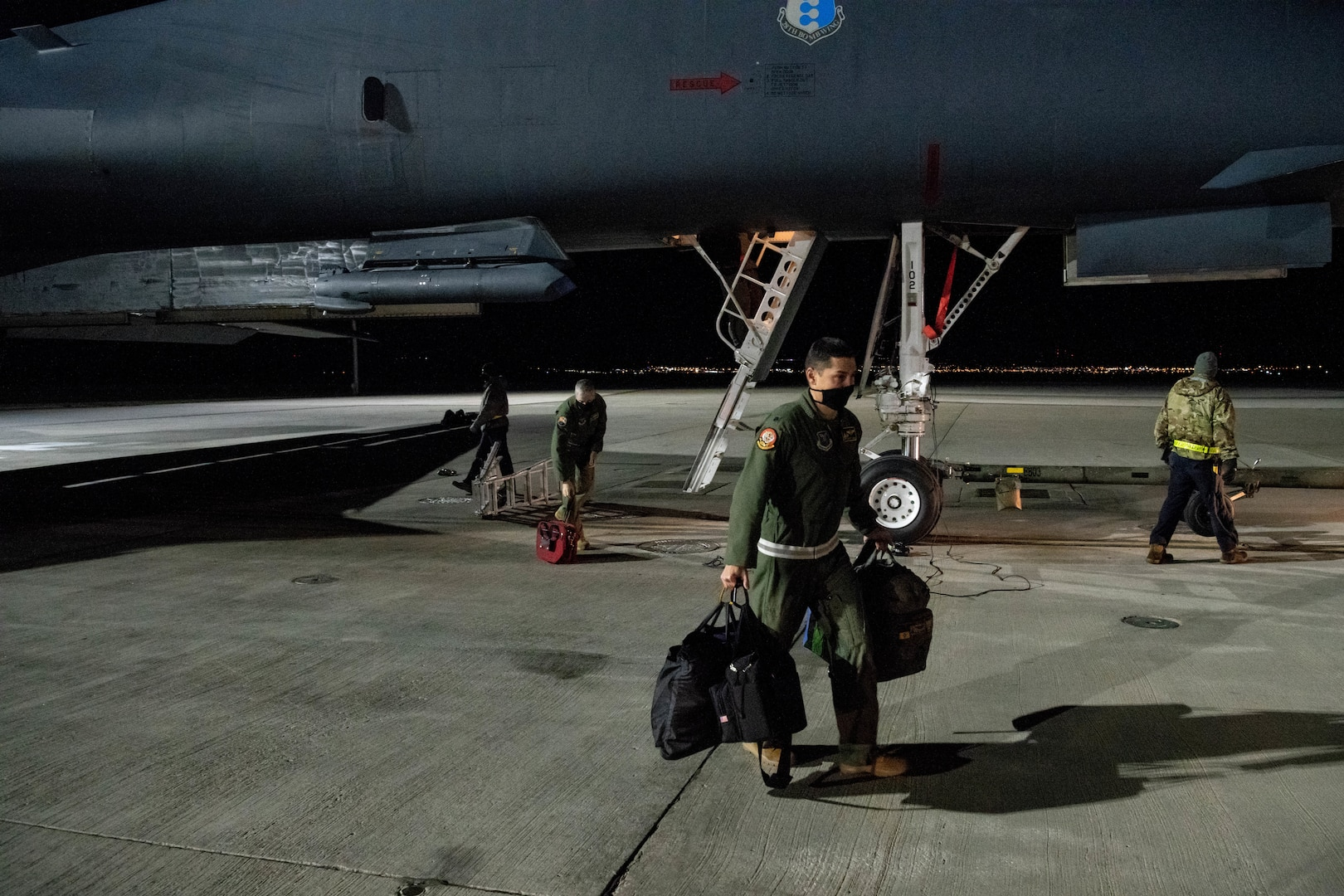 Gear is unloaded from a B-1B Lancer at Ellsworth Air Force Base, S.D., April 30, 2020, following the bomber's return from supporting a Bomber Task Force (BTF) mission in the Indo-Pacific region.