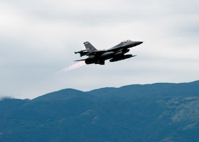 An F-16 Fighting Falcon from the 510th Fighter Squadron takes off from Aviano Air Base, Italy, Aug. 2, 2020. F-16s from the 510th FS flew integrated training missions alongside the USS Porter in the Black Sea which were designed to train U.S. forces to operate while executing multi-domain operations. (U.S. Air Force photo by Tech. Sgt. Rebeccah Woodrow)