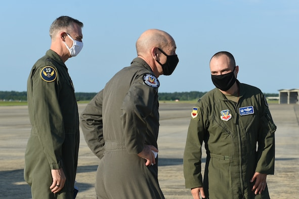 ACC/CC greets 20th FW leadership
