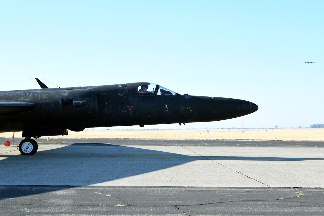 A U-2 piloted by retired Lt. Col Jonathan Huggins, 1st Reconnaissance Squadron U-2 instructor pilot, prepares for takeoff July 31, 2020 at Beale Air Force Base, California. U-2 pilots have limited forward visibility due to the extended aircraft nose combined with the slight upward tilt of the aircraft. (U.S. Air Force photo by Airman 1st Class Luis A. Ruiz-Vazquez.)