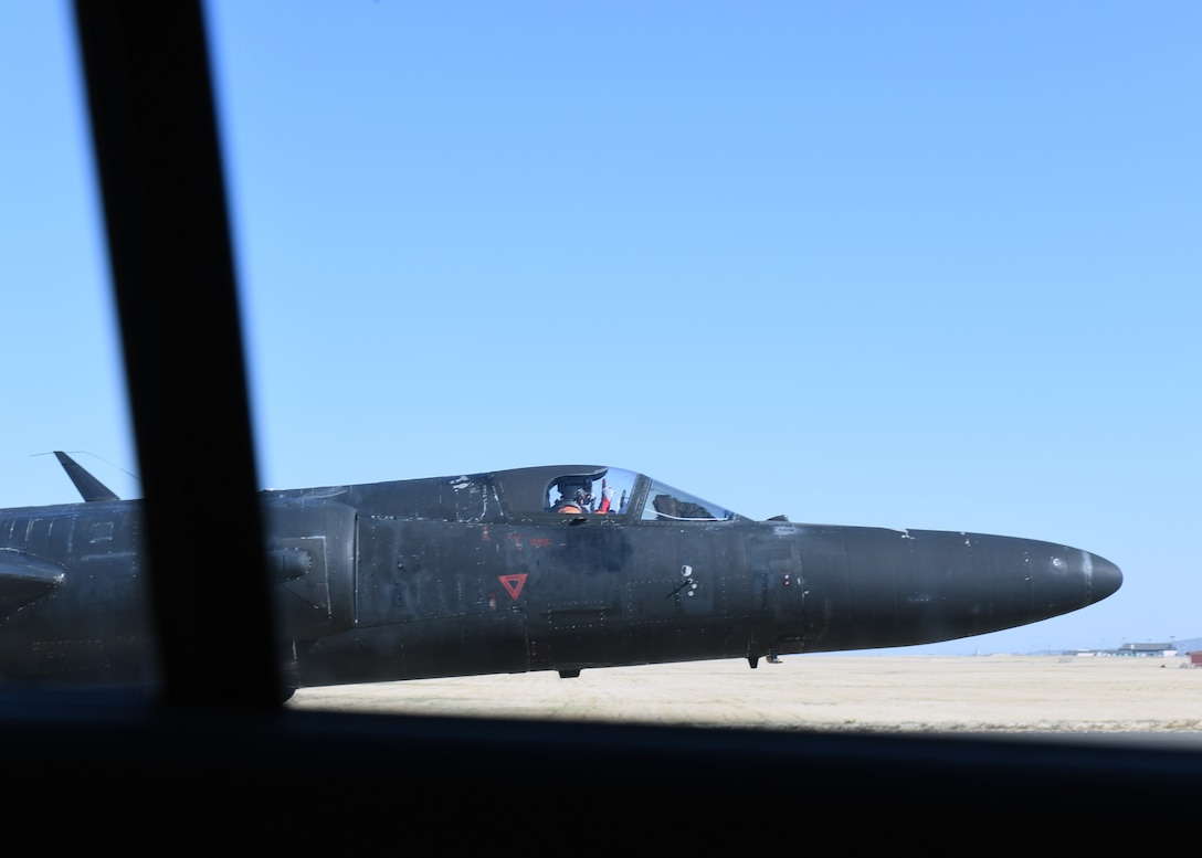 A U-2 piloted by retired Lt. Col Jonathan Huggins, 1st Reconnaissance Squadron U-2 instructor pilot, prepares to taxi back into the hanger after landing July 31, 2020 at Beale Air Force Base, California. U-2 pilots have limited forward visibility due to the extended aircraft nose combined with the slight upward tilt of the aircraft. (U.S. Air Force photo by Airman 1st Class Luis A. Ruiz-Vazquez.)
