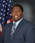 Marine Corps Customer Facing Division deputy director receives June Leadership Award at DLA Aviation