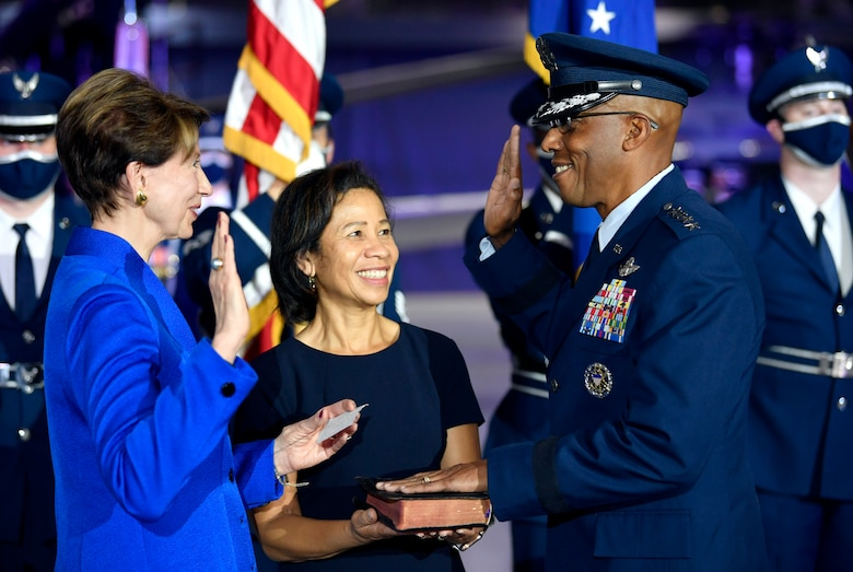 Secretary of the Air Force Barbara M. Barrett administers the oath of office to incoming Air Force Chief of Staff Gen. Charles Q. Brown Jr. during the CSAF Transfer of Responsibility ceremony at Joint Base Andrews, Md., Aug. 6, 2020. Brown is the 22nd Chief of Staff of the Air Force. (U.S. Air Force photo by Wayne Clark)