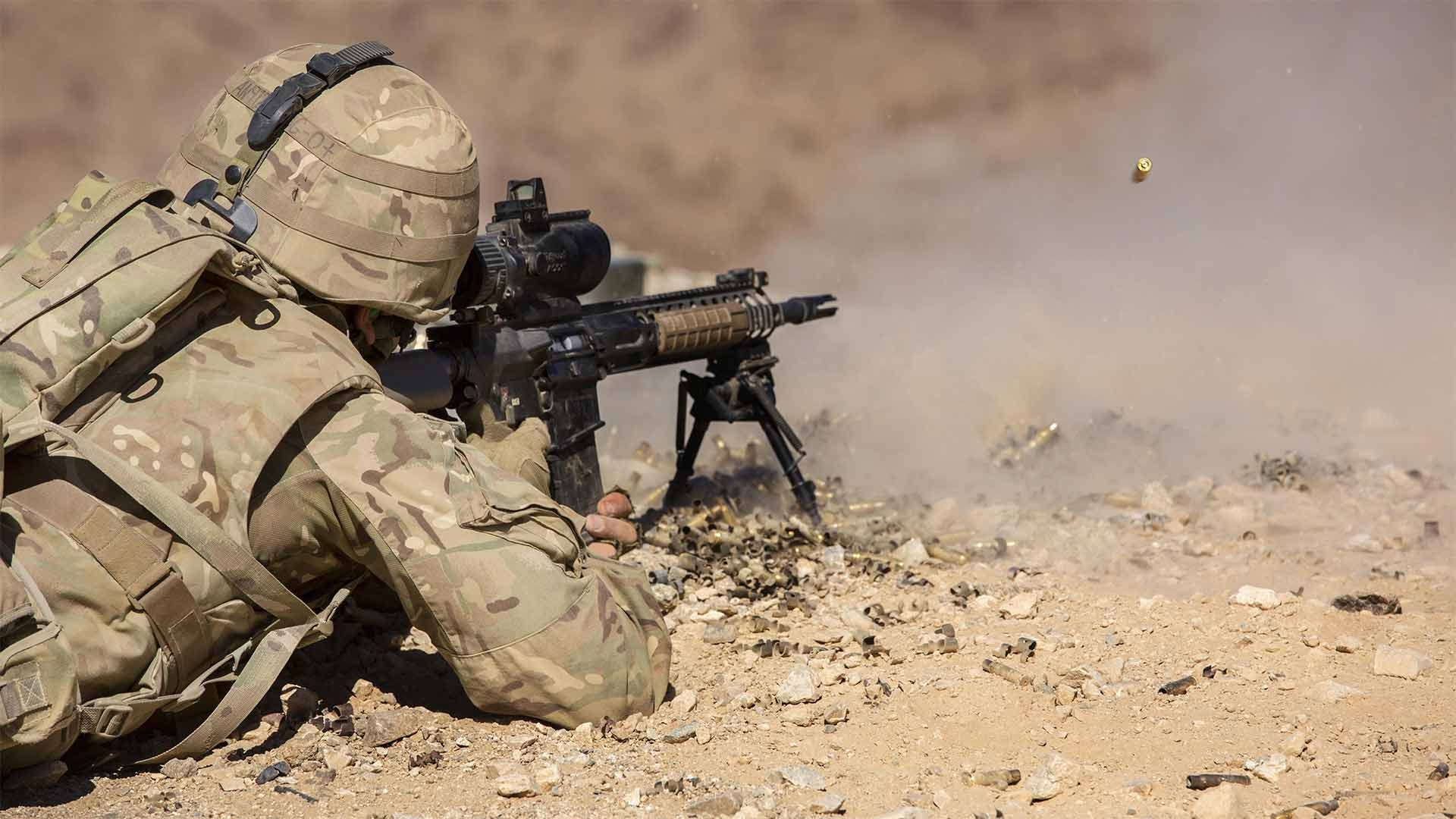 British Royal Marines conduct an assault on Range 205 as part of Exercise Black Alligator aboard the Marine Corps Air Ground Combat Center, Twentynine Palms, Calif., Sept. 14, 2016.