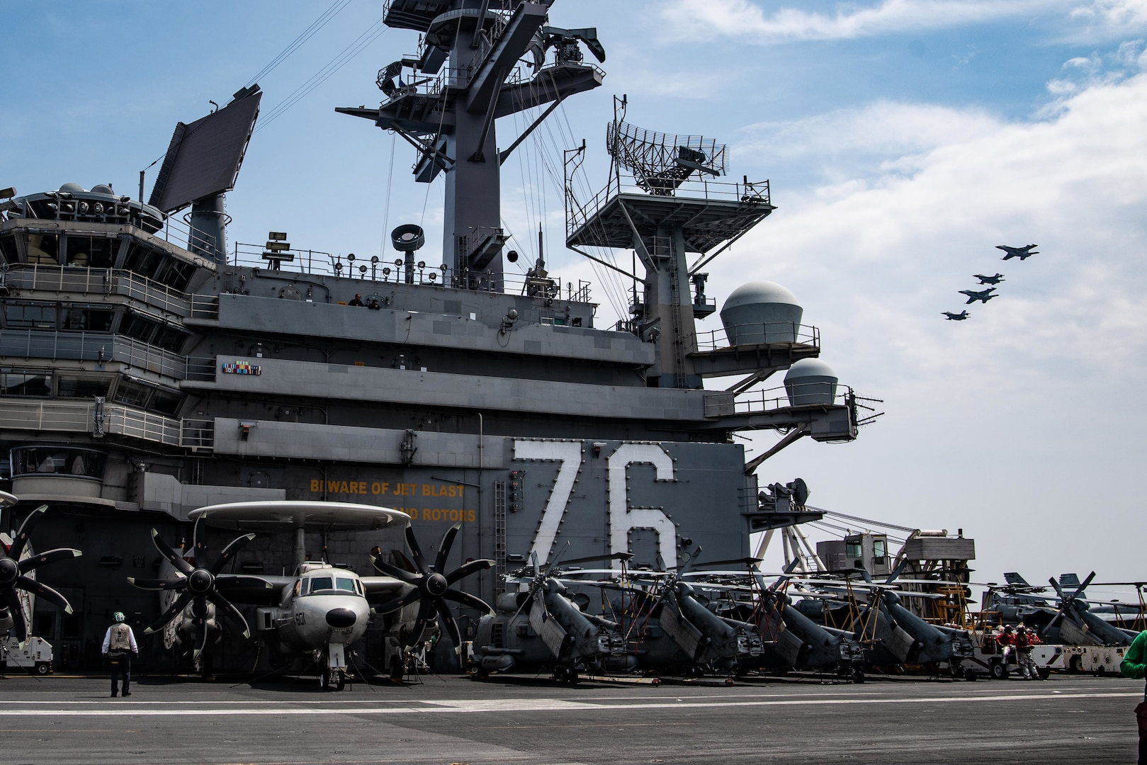 U.S. Navy, Air Force conduct integrated training off Japan