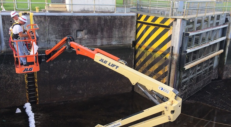 This JLG lift is used for inspections.