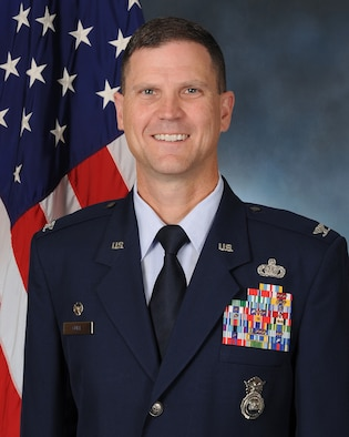 Official photo of Col Aaron Guill