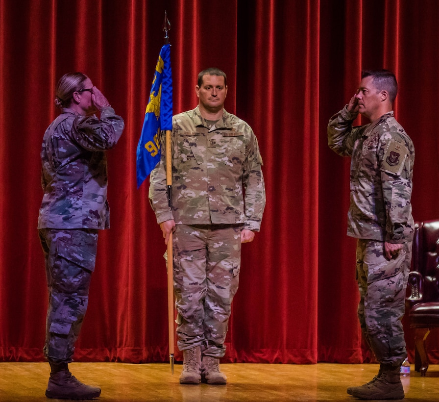Col. Mark Estlund assumes command of the 960th Cyberspace Operations Group during a ceremony Aug. 9, 2020, at Joint Base San Antonio-Lackland, Texas, with Col. Lori Jones, 960th Cyberspace Wing commander, presiding. (U.S. Air force photo by Tech. Sgt. Christopher Brzuchalski)