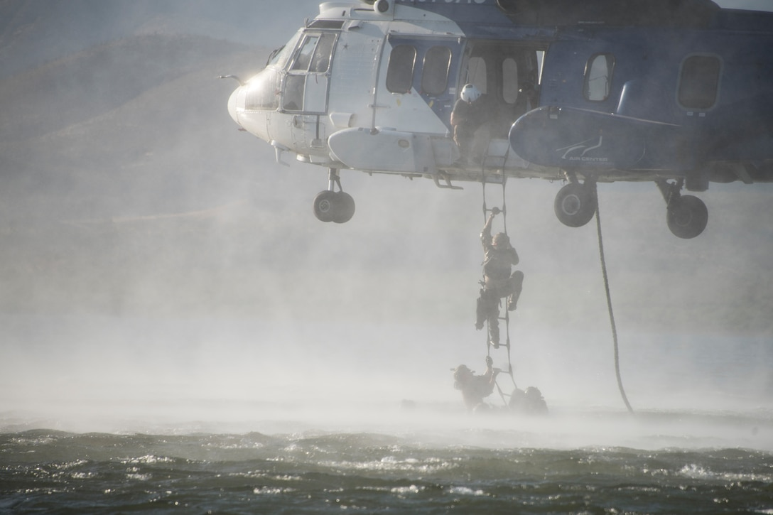 Alternate Insertion and Extraction Training
