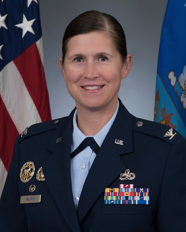 Official military photo of Col Kristen Palmer