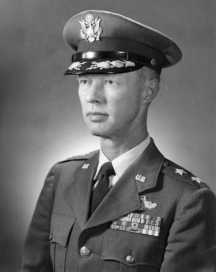 This is the official photo of Maj. Gen Richard Abbey.