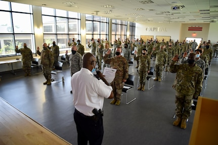 D.C. National Guard members swear-in with Metropolitan Police Department