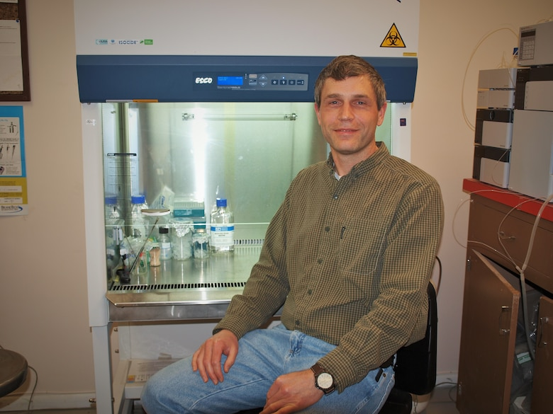 """Dr. Jed Eberly, a former research microbiologist with the U.S. Army Engineer Research and Development Center's Environmental Laboratory, led a team in the invention of """"DNA-Based Testing for Environmental Contamination,"""" a process that earned a patent in February 2020."""