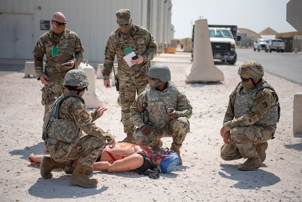 Team AUAB works together during exercise