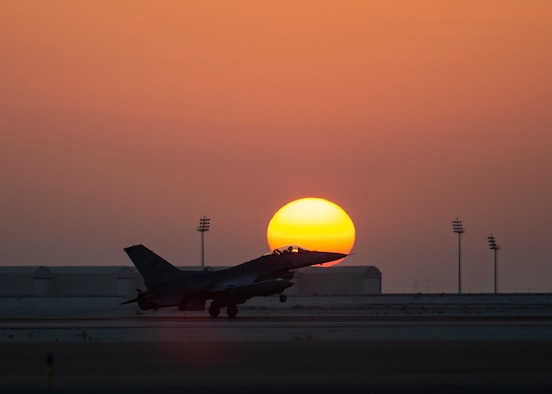 A U.S. Air Force F-16 Fighting Falcon assigned to the 480th Expeditionary Fighter Squadron lands at Al Dhafra Air Base, United Arab Emirates, Dec. 2, 2020. The F-16 is highly maneuverable in air-to-air combat and air-to-surface attack while providing a low-cost, high-performance weapon system for the U.S. and allied nations. (U.S. Air Force photo by Senior Airman Bryan Guthrie)