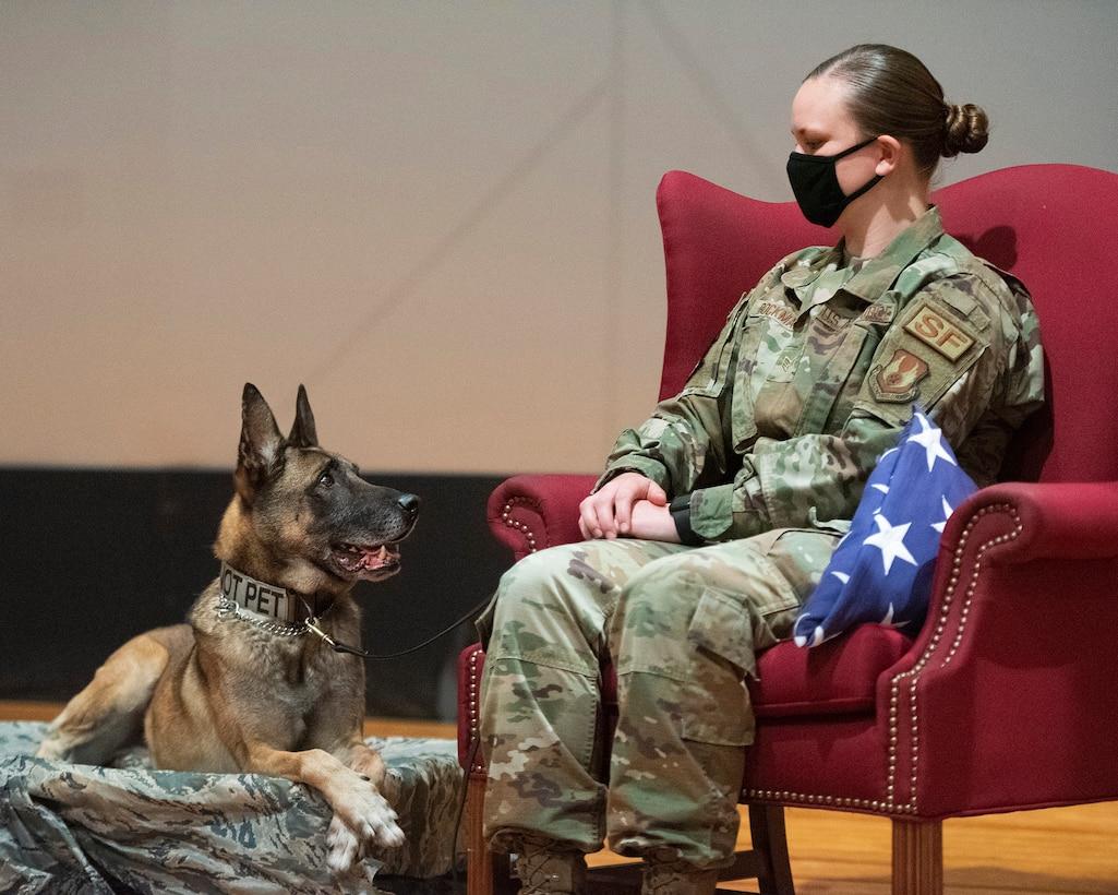 Military Working Dog Rudo Retires