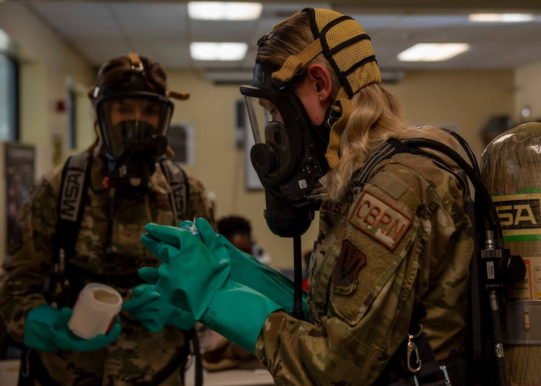 4 CES Emergency Responders participate in sample training