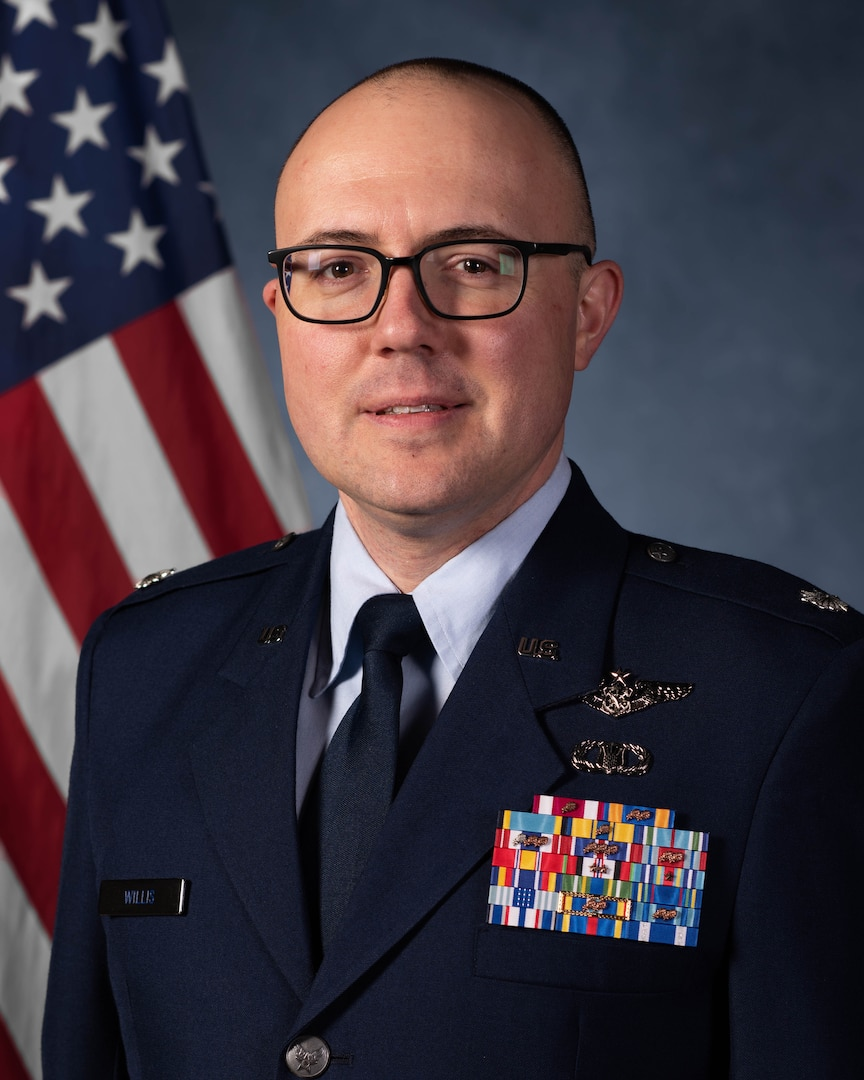 Lieutenant-Colonel Nathan J. Willis, USAF at 17 Wing Winnipeg  Photo by: Cpl Brian Lindgren, 17 OSS Imaging.