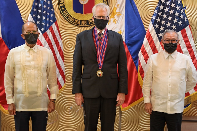 Acting U.S. Defense Secretary Turns Over Php1.4 Billion in Military Equipment to Strengthen Security Cooperation