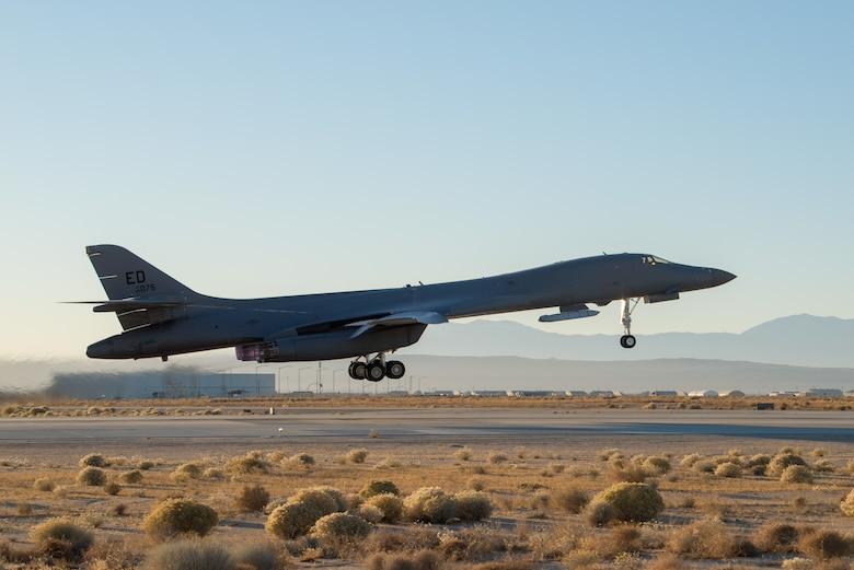B-1B Lancer completes successful external release demonstration