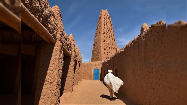 A mosque in Niger. Photo by AFCLC's Dr. Scott Edmondson