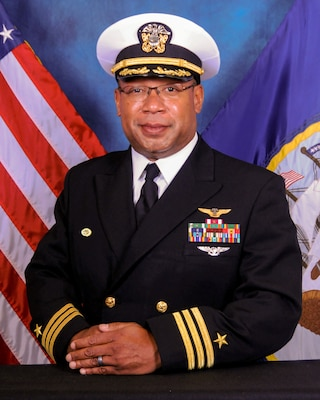 Official portrait of Cmdr. Shawn T. Rumbley.