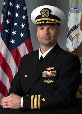 201221-N-N0443-1006 PENSACOLA, Fla. (Dec. 21, 2020) Official photo of Cmdr. Matthew Pawlenko. (U.S. Navy photo)