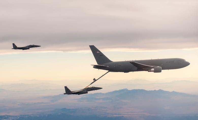 fighter jet refueling