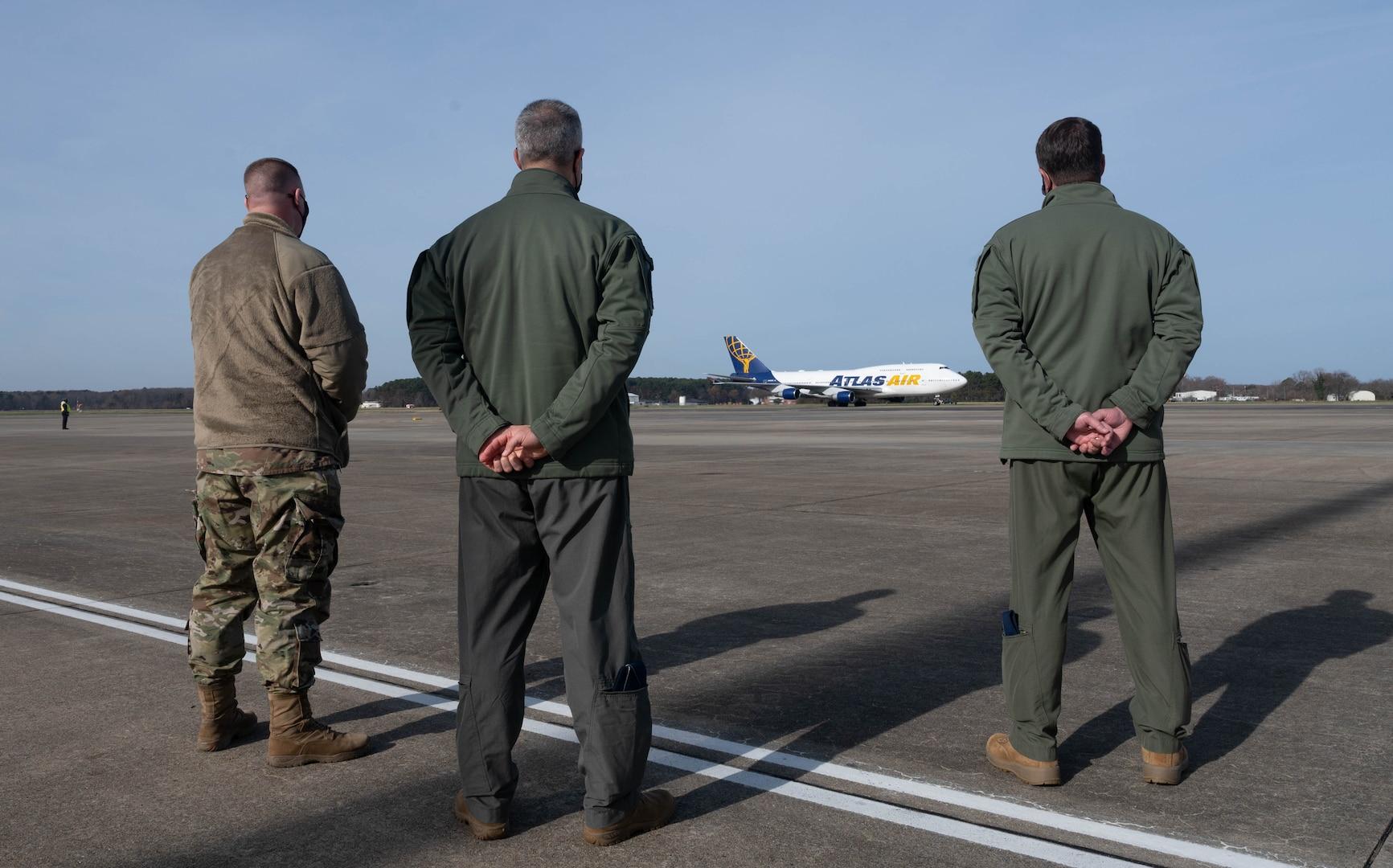 Airmen return from deployment.