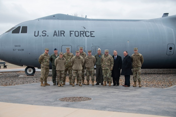 Members of the Oklahoma Commanders Summit pose for a group photo