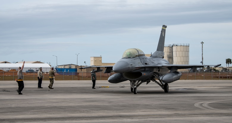 A U.S. Air Force F-16 Fighting Falcon from Holloman Air Force Base, N.M., prepares to taxi after pre-flight checks for a training flight at Tyndall Air Force Base, Fla., Feb. 4, 2020. The 314th Fighter Squadron came to test their operational readiness with maintainers and pilots using live missiles. (U.S. Air Force photo by Senior Airman Stefan Alvarez)