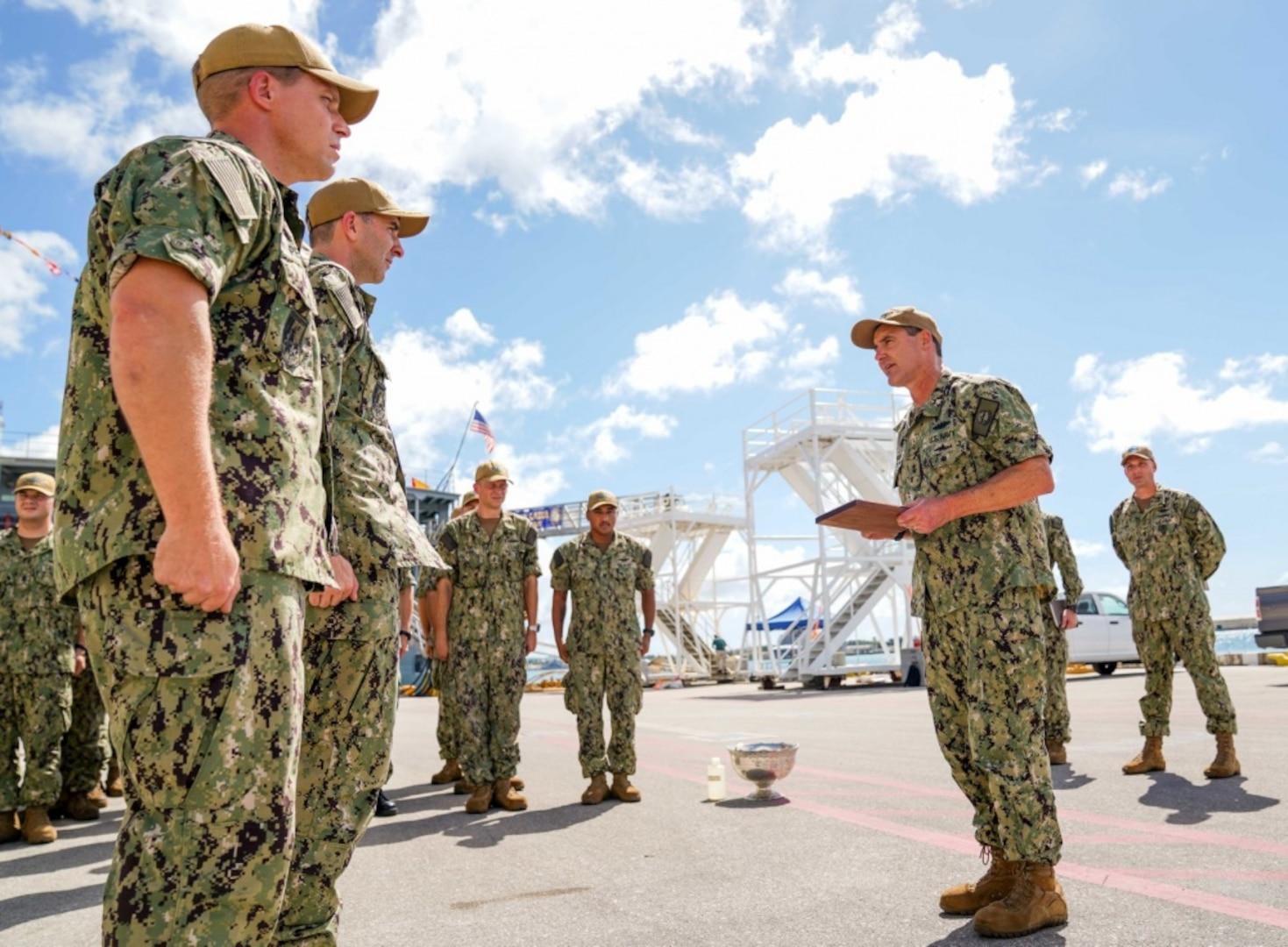 Sailors Aboard USS Oklahoma City Receive Battle 'E' Award