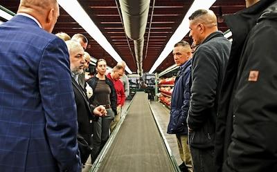 U.S. Army War College class gains insights into DLA Distribution logistics effort