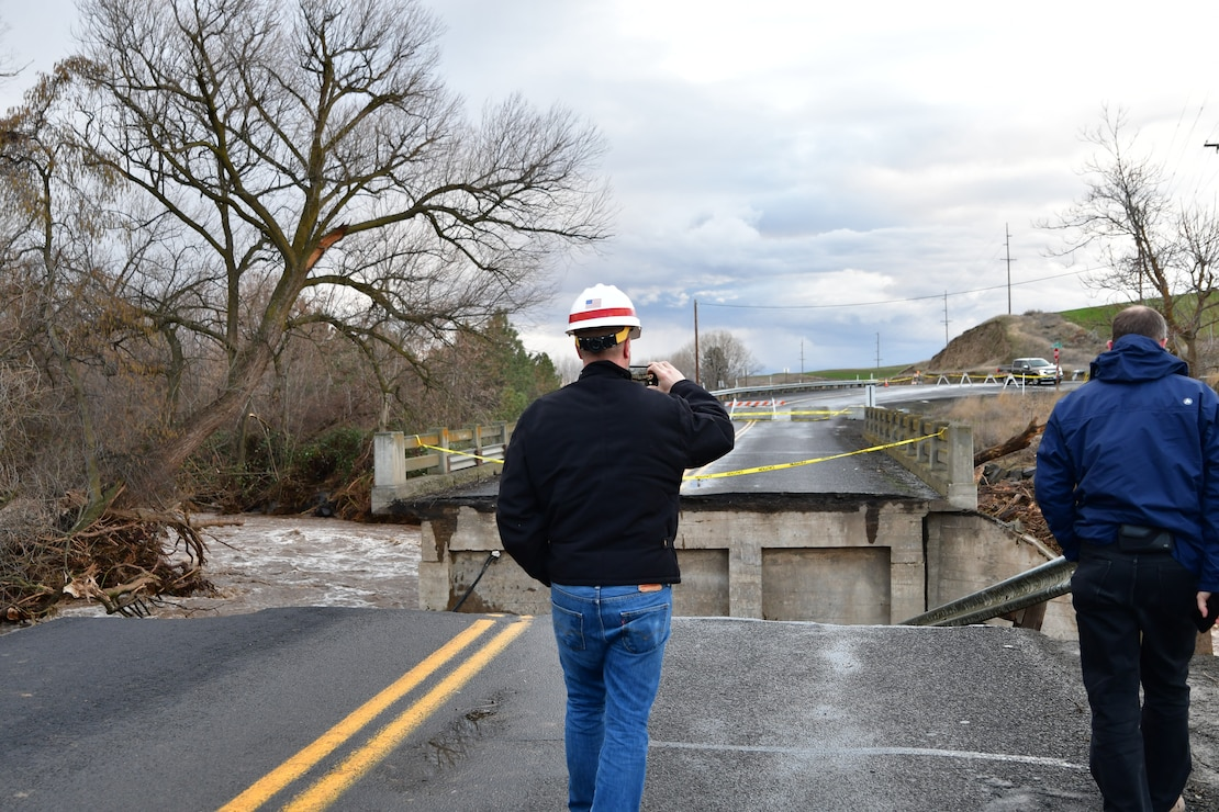 The District's Chief of Engineering, Dwayne Weston and Alan Feistner, Deputy District Engineer for the Walla Walla District Corps of Engineers, examine Wallula Bridge off Old Hwy 12 in Walla Walla.