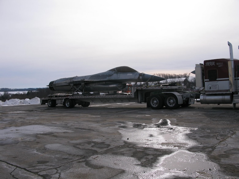 The YF-16 loaded on a trailer for the trip to Fort Worth, Texas. (Courtesy photo)