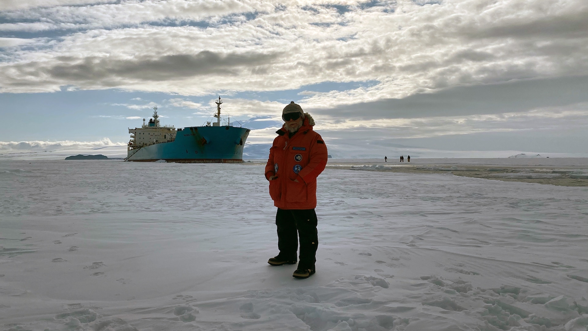 Military Sealift Command, Seabees support Operation Deep Freeze