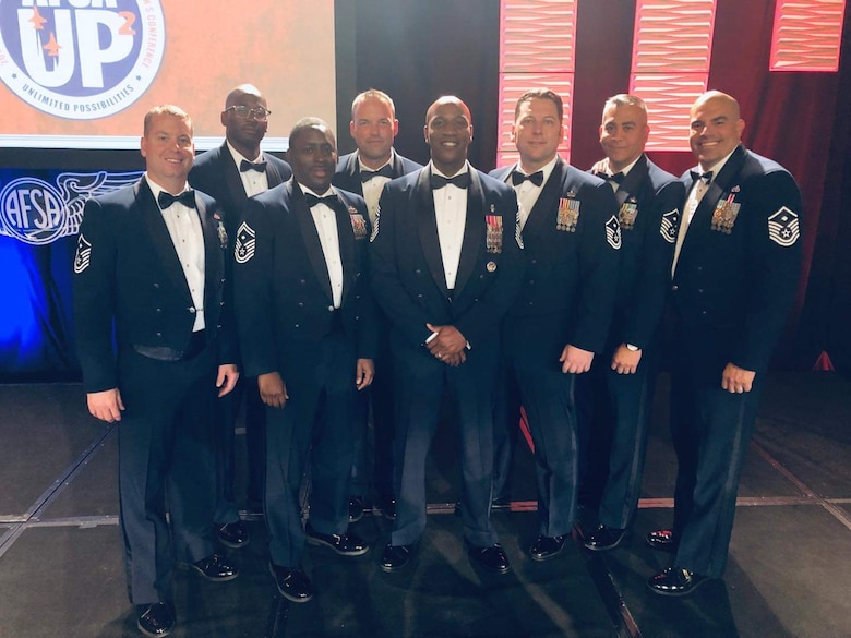 Photo of Chief Master Sergeant of the Air Force Kaleth O. Wright with a group of first sergeants