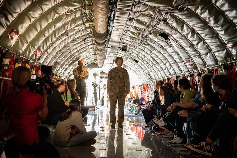 AMC commander visits Team MacDill