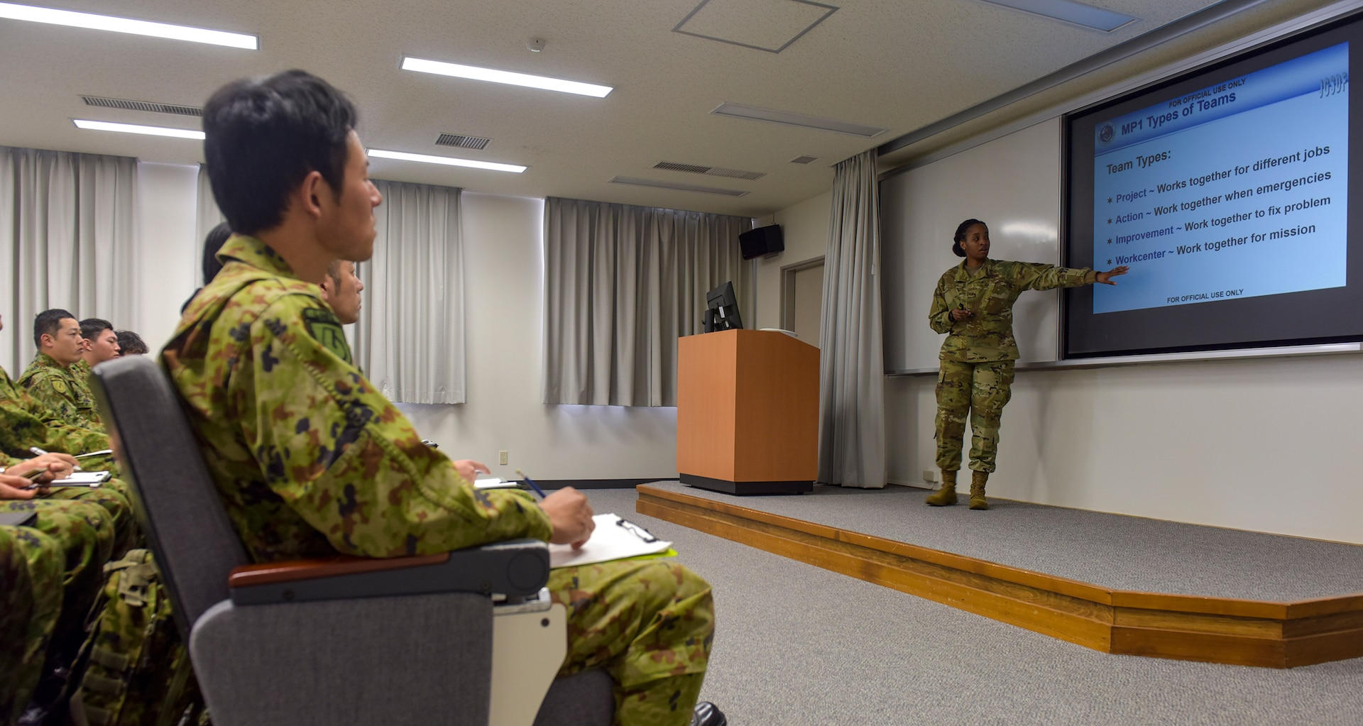 Misawa ALS hosts Japanese service members, bridges gaps in Englishb