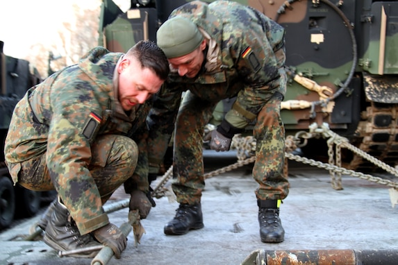 U.S. Army Reserve Soldiers conduct push pull operations for DEFENDER-Europe 20
