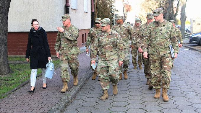 1st Infantry Division FWD welcomes Hannah Thoburn of the Senate Foreign Relations Committee