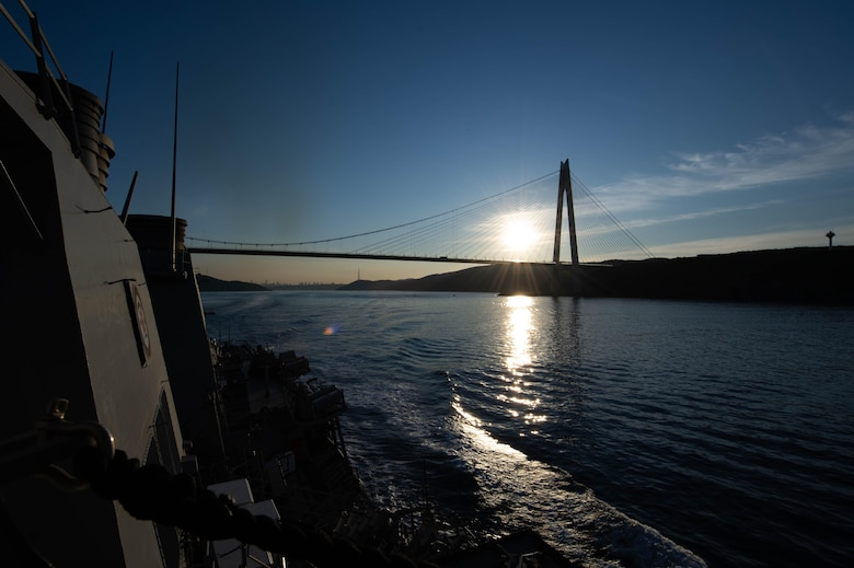 USS Ross en route to the Black Sea